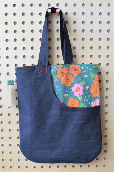 Katie Gammie - Denim tote bag - Lined tote bag with large front pocket. Denim and cotton.